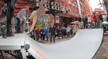 Трюки на скейтборде в минирампе