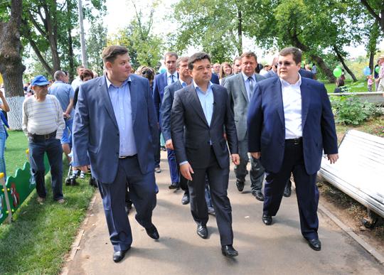 Андрей Воробьев с коллегами по цеху.