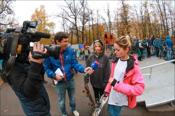 Интервью дают Саша Дасаева и Анна Кошман
